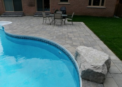Permacon Mega Trafalgar pool patio