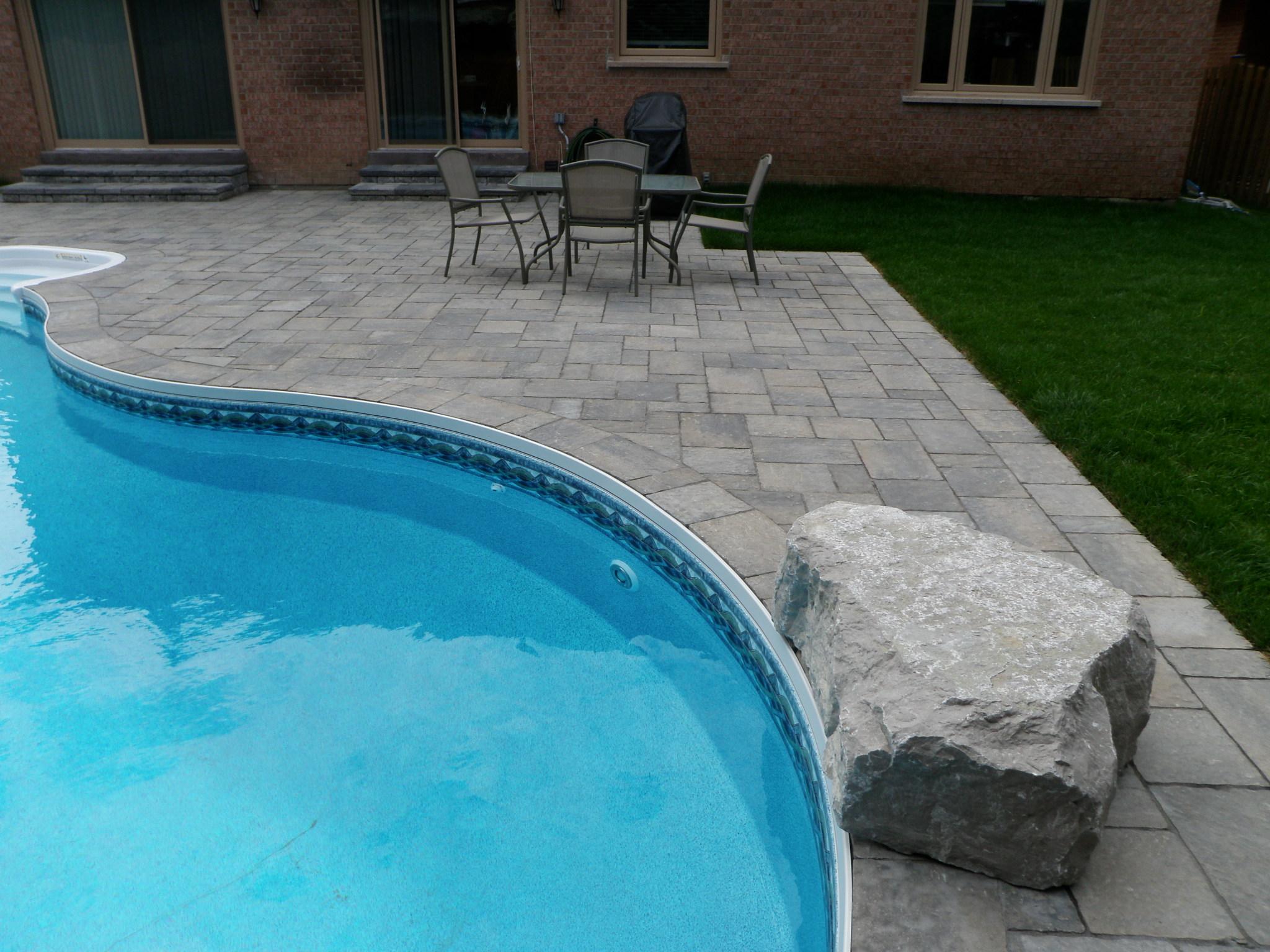 Permacon Mega Trafalgar pool patio
